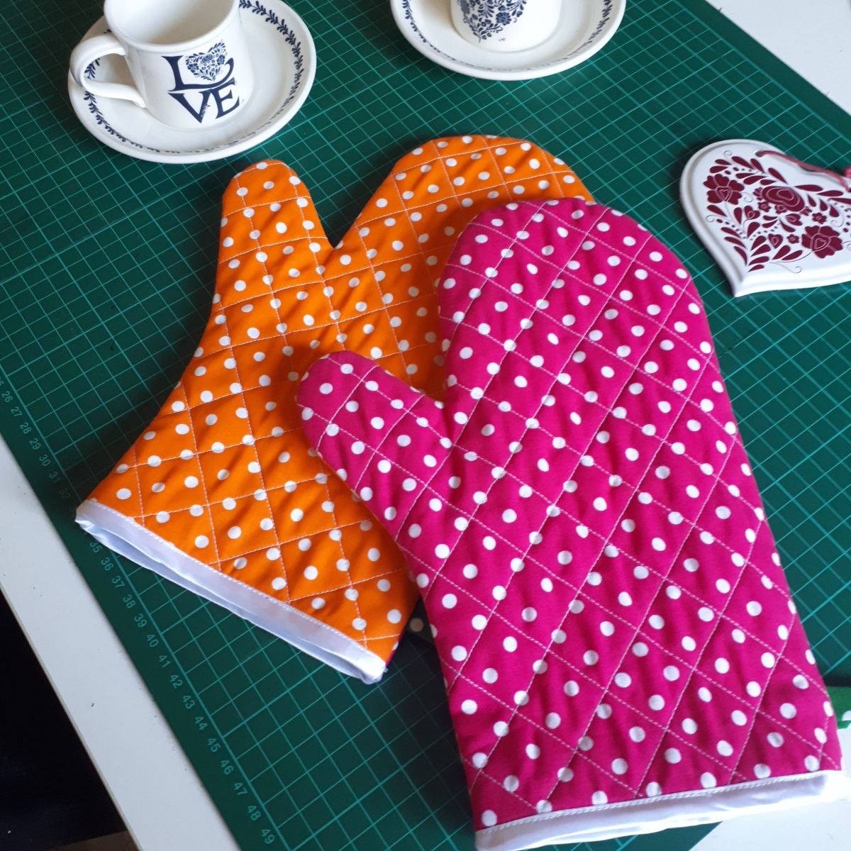 Sew your own oven gloves- sewing tutorial