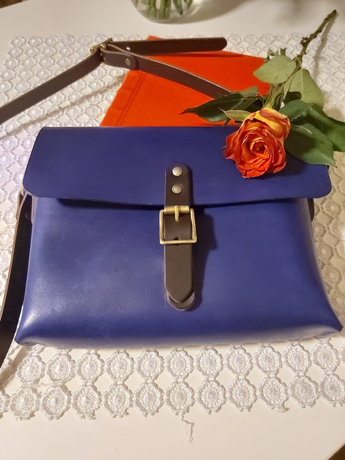 My first hand stitched leather bag – Leather Craft Workshop Days –review
