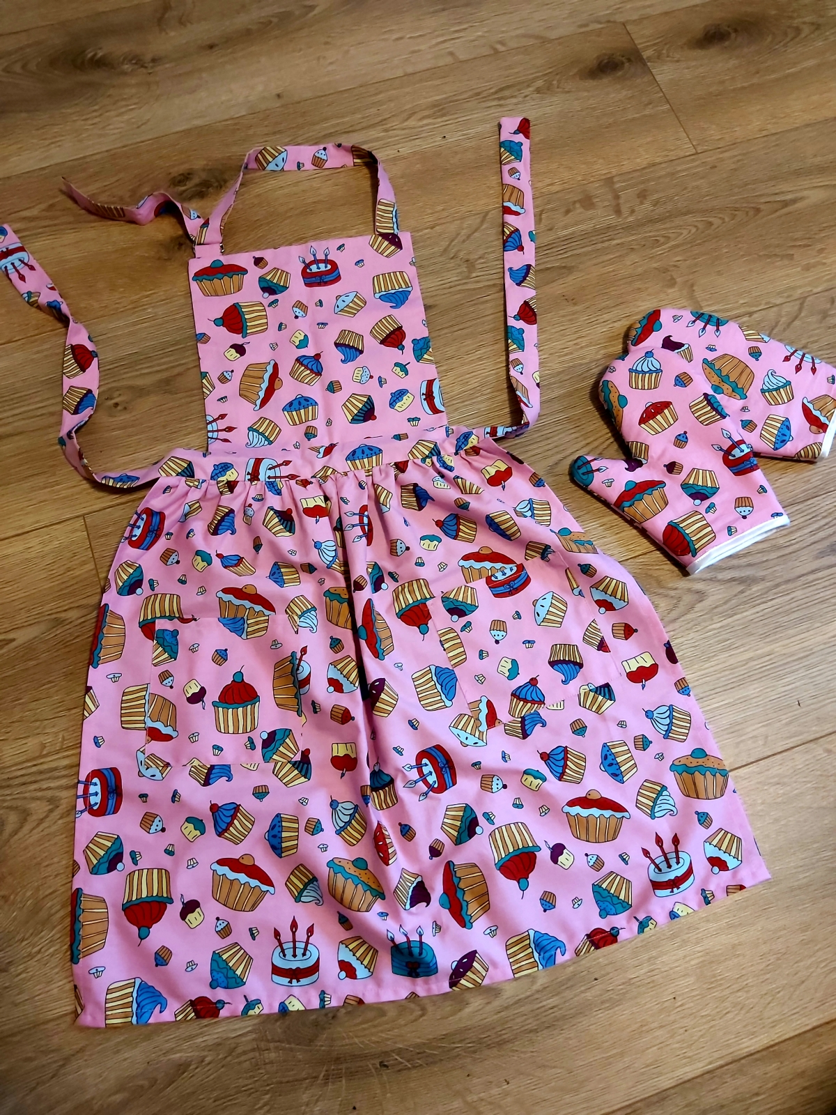 Make a kids apron with no pattern- sewing tutorial